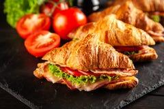 Panini classici del croissant di BLT immagine stock libera da diritti