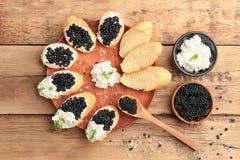 Panini con il caviale nero delizioso Fotografia Stock