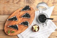 Panini con il caviale nero delizioso Immagini Stock