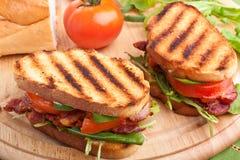 Panini del bacon, della lattuga e del pomodoro fotografie stock