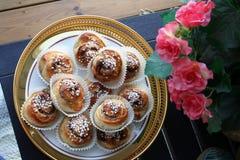Panini di cannella per celebrare il giorno dei panini di cannella i 4 di ottobre immagini stock libere da diritti