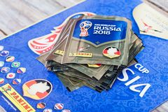 Paninistickers voor voetbalwereldbeker Rusland 2018 Royalty-vrije Stock Foto's