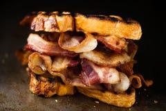 Panino butty del bacon inglese rustico immagine stock libera da diritti