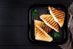 Panino caldo americano del formaggio Panino arrostito casalingo del formaggio immagine stock libera da diritti
