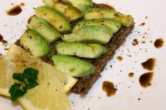 Panino con l'avocado Immagini Stock