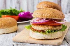 Panino con l'hamburger del pollo Immagini Stock