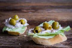 Panino con le olive Immagine Stock Libera da Diritti