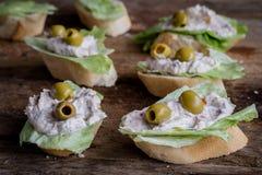 Panino con le olive Immagini Stock