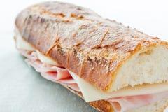 Panino del prosciutto e del formaggio Immagini Stock Libere da Diritti