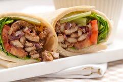 Panino del rotolo dell'involucro della pita del pollo di shawarma di Kafta Immagine Stock