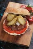 Panino dell'hamburger del bacon fotografia stock libera da diritti