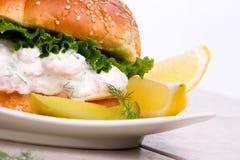 Panino dell'insalata dei gamberi Fotografia Stock Libera da Diritti