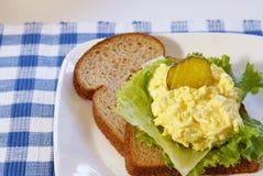 Panino dell'insalata dell'uovo Fotografie Stock