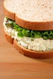 Panino dell'insalata di sgombro Fotografia Stock Libera da Diritti