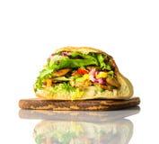 Panino di kebab isolato su fondo bianco Immagini Stock Libere da Diritti