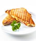 Panino di panini del formaggio e del prosciutto Fotografie Stock Libere da Diritti