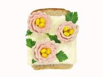 Panino di verdure creativo con formaggio ed il prosciutto Fotografia Stock Libera da Diritti
