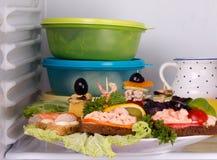Panino e canapés dei frutti di mare nel frigorifero Fotografia Stock Libera da Diritti