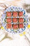 Panino quadrato con la salsiccia con i fiori Immagini Stock Libere da Diritti