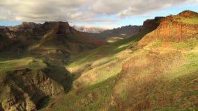 Panna över kanjondalen - Mirador de Fataga, Gran Canaria arkivfilmer