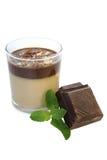 Panna-Cotta mit Minze und Schokolade Stockfotos