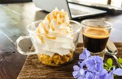 Panna di raggiro del caffè espresso Fotografia Stock