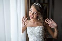 Panna młoda rankiem dnia ślubu Fotografia Stock
