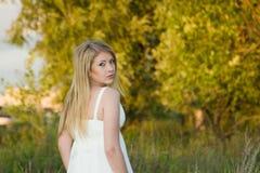 Panna młoda w białej sukni Fotografia Royalty Free
