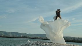 Panna młoda w pięknej sukni zdjęcie wideo