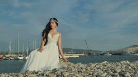 Panna młoda w pięknej sukni zbiory