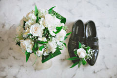 Panna młoda butów i bukietów fornal Fotografia Stock