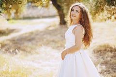Panna młoda w naturze Zdjęcia Royalty Free