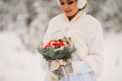 Panna młoda w zima lesie Fotografia Royalty Free