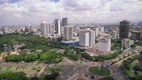 Pannan av den Merdeka fyrkanten och skyskrapor i Jakarta centrerar lager videofilmer