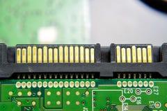 Panneau électronique de connecteur d'unité de disque dur de Sata avec les composants électriques L'électronique du matériel infor Photos stock