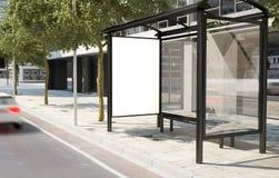 Panneau d'affichage d'arrêt d'autobus Image libre de droits