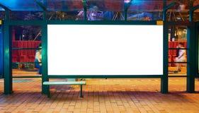 Panneau d'affichage de blanc d'arrêt d'autobus photo stock