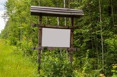 Panneau d'affichage de bord de la route - l'espace pour le texte photos stock
