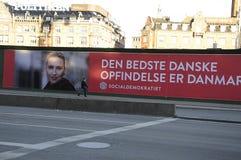 PANNEAU D'AFFICHAGE DE HUGES AVEC METTE FREDERIKSEN_ELECTIONS Images stock
