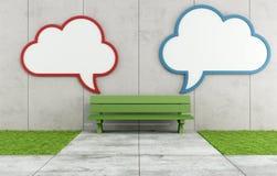 Panneau d'affichage en blanc du nuage deux dans une rue Photos libres de droits