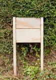 Panneau d'affichage en bois sans message Photo libre de droits
