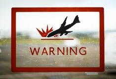 Panneau d'avertissement d'accident d'avion d'aéroport images stock