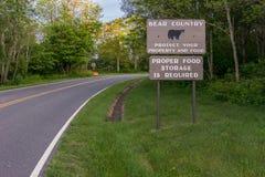 Panneau d'avertissement d'ours Image stock