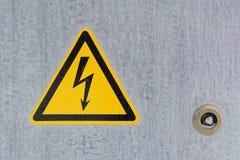 Panneau d'avertissement de l'électricité photo libre de droits
