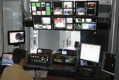 Panneau de commande dans la pièce de directeur de TV Photographie stock