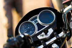 panneau de commande de motocyclette avec le tachymètre photographie stock libre de droits