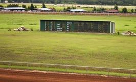 Panneau de gagnant à la piste de chemin de cheval Image stock
