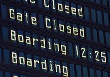 Panneau de l'information d'aéroport. image stock