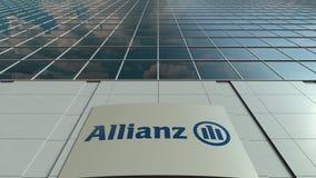 Panneau de Signage avec le logo d'Allianz Façade moderne d'immeuble de bureaux Rendu 3D éditorial Photo libre de droits