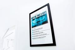Panneau de signe au sujet de salutaire X des rayons photographie stock